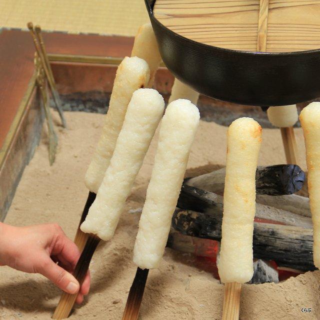 きりたんぽ作り方 表面をきつね色になるまでこんがりと焼く